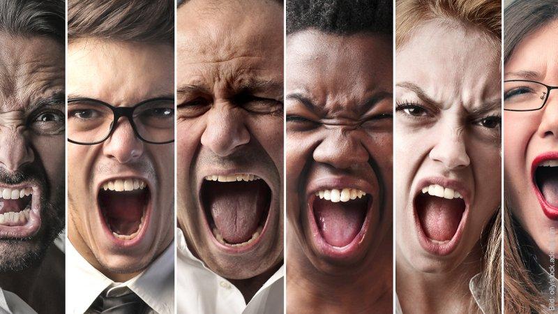 Die 7 Phasen der Trennung. Verschiedene Gesichter, die wütend aussehen.