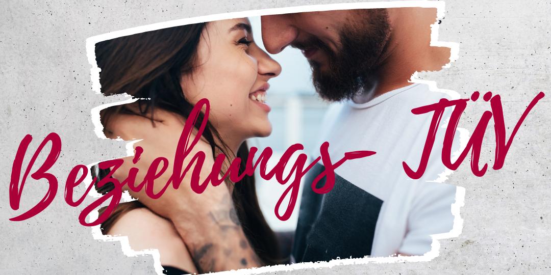 Beziehung-TÜV: Paar, das aussieht, als ob es in einer glücklichen Partnerschaft ist